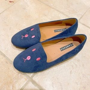 Cute flats -- excellent used condition